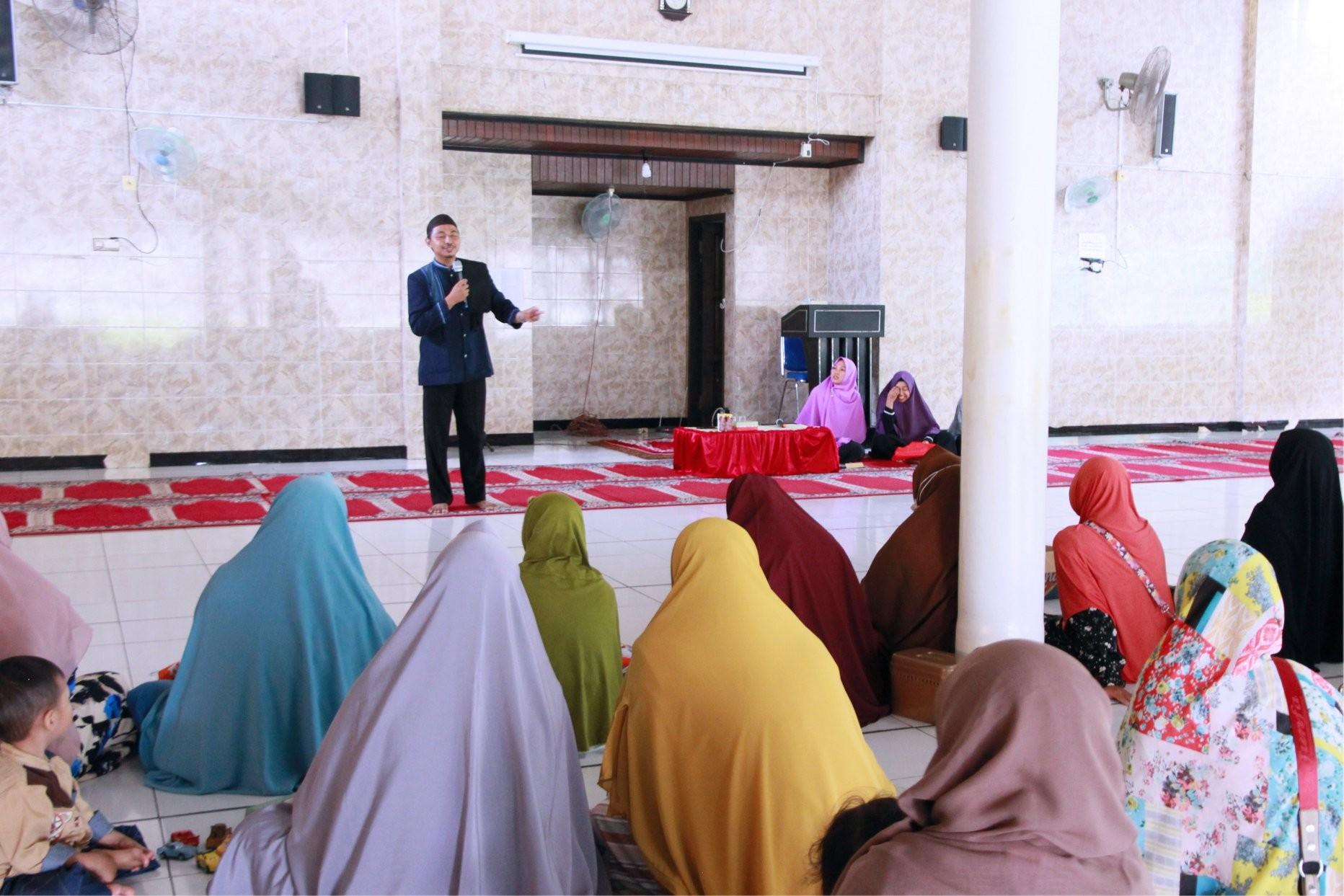Sambut Ramadhan Orang Tua Siswa Mengikuti Pengajian